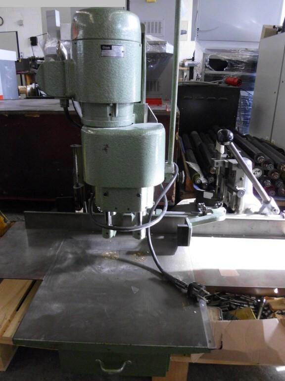 gebrauchte Weiterverarbeitung Papierbohrmaschine HANG 136