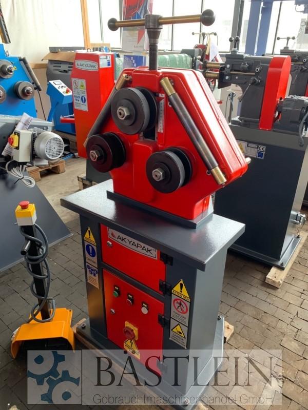 gebrauchte Blechbearbeitung / Scheren / Biegen / Richten Rohrbiegemaschine AK-BEND APK 30