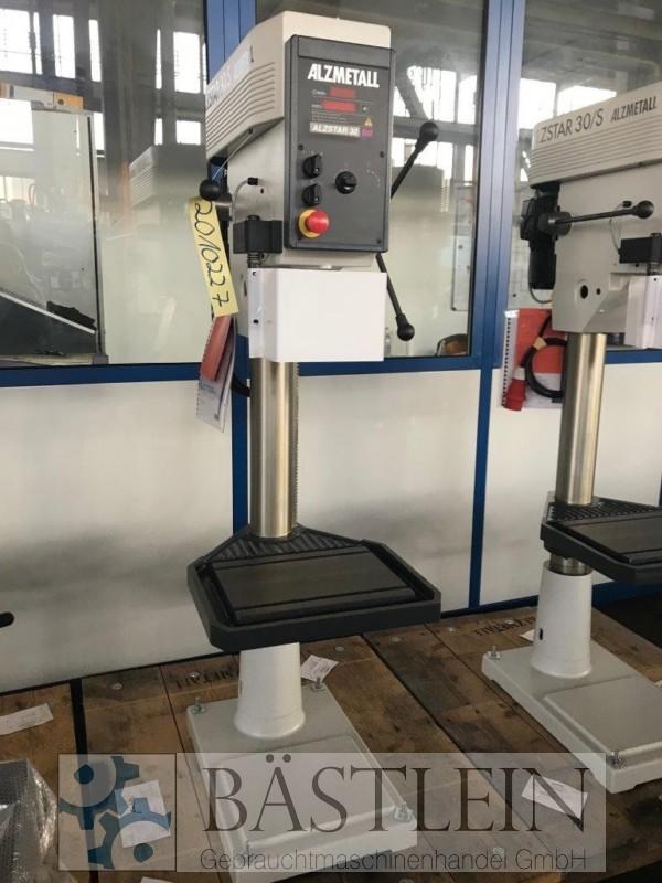 gebrauchte Bohrwerke / Bearbeitungszentren / Bohrmaschinen Säulenbohrmaschine ALZMETALL Alzstar 30/S