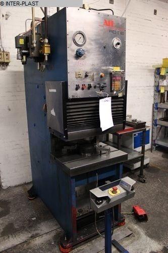 gebrauchte Pressen und Bördelmaschinen Hydraulische Presse AH E60  E60