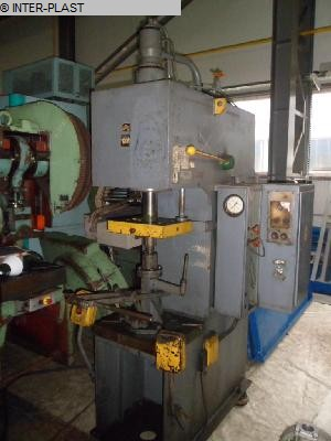 gebrauchte Pressen und Bördelmaschinen Hydraulische Presse PYE 10 S1