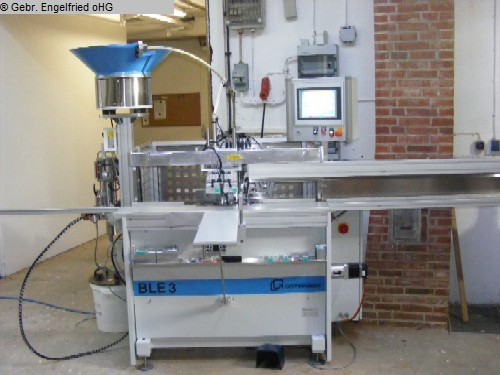 rabljena Proizvodnja prozora: Stroj za bušenje drva i umetanje mozga GÖTZINGER BLE - Video -