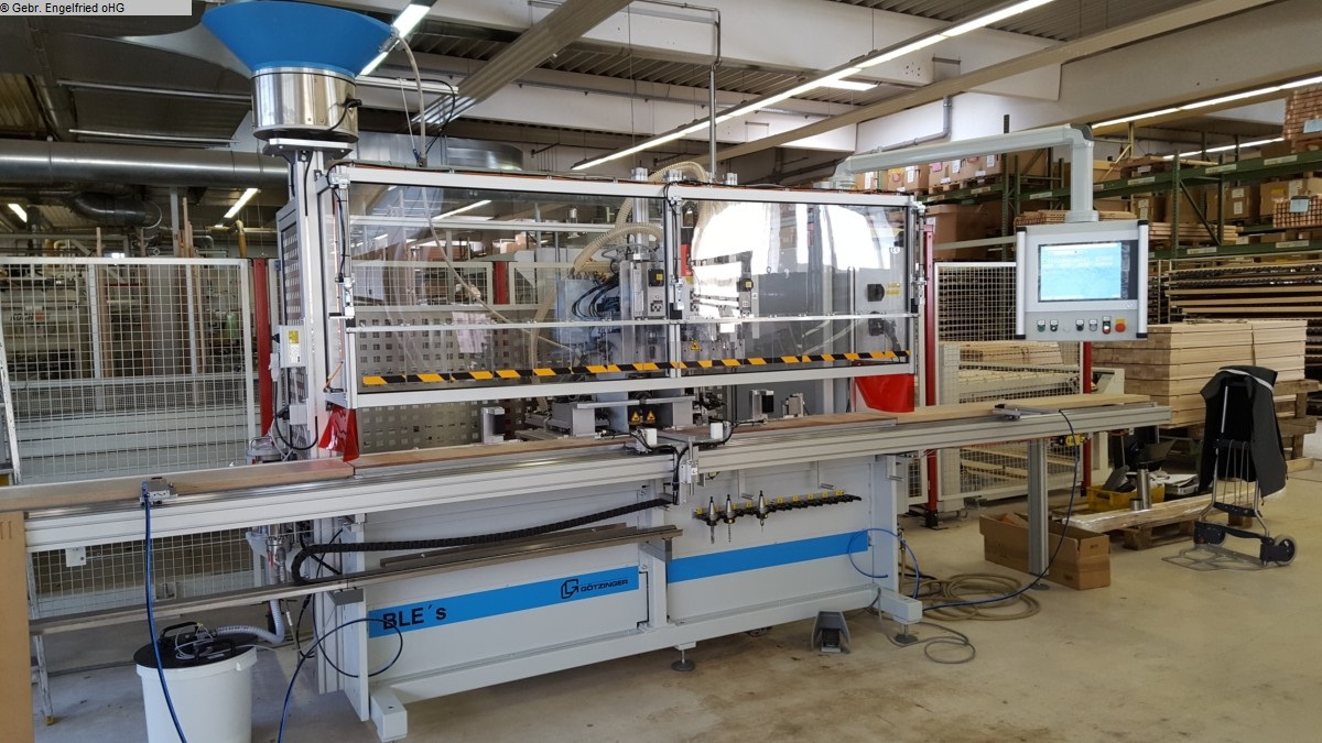 Producción de ventanas usadas: taladradora de madera y máquina de inserción de pasadores GÖTZINGER PowerDrill m. Duebeleintreiben