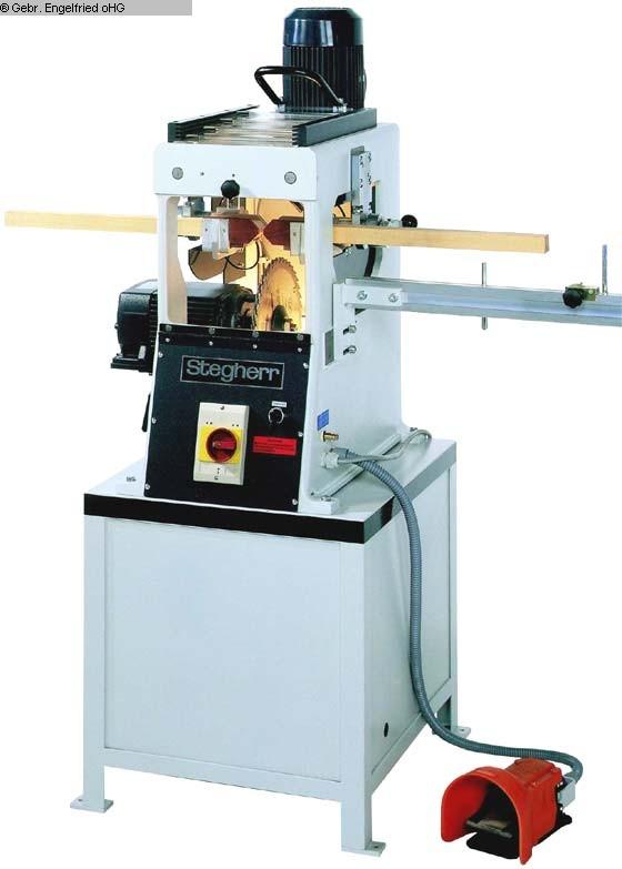 producción de ventanas usada: fresadora cruzada de peldaños de madera STEGHERR KSF-mini