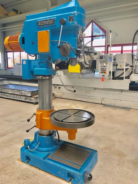 Rabljeni strojevi za bušenje / Obradni centri / Strojevi za bušenje Mašina za bušenje - Univerzalni Alzmetall AB5