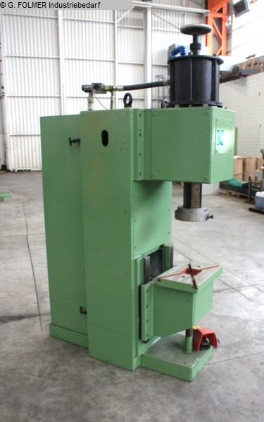 used Plastics / Packaging Compression molding up to 1000 KN EIGENBAU SA