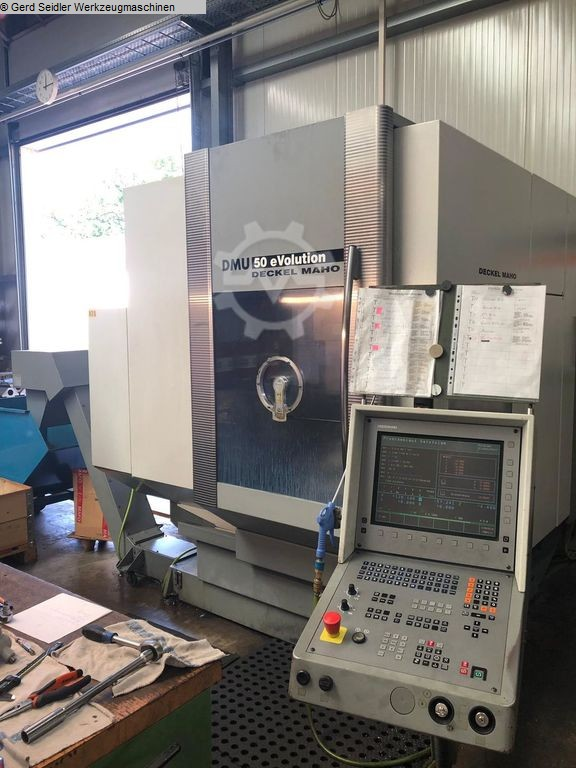 gebrauchte Bohrwerke / Bearbeitungszentren / Bohrmaschinen Bearbeitungszentrum  5 Achs DMG DMU 50 eVolution