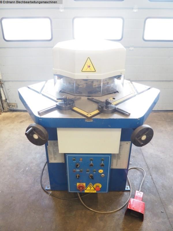 gebrauchte Blechbearbeitung / Scheren / Biegen / Richten Ausklinkmaschine METALLKRAFT AKM 200-60V