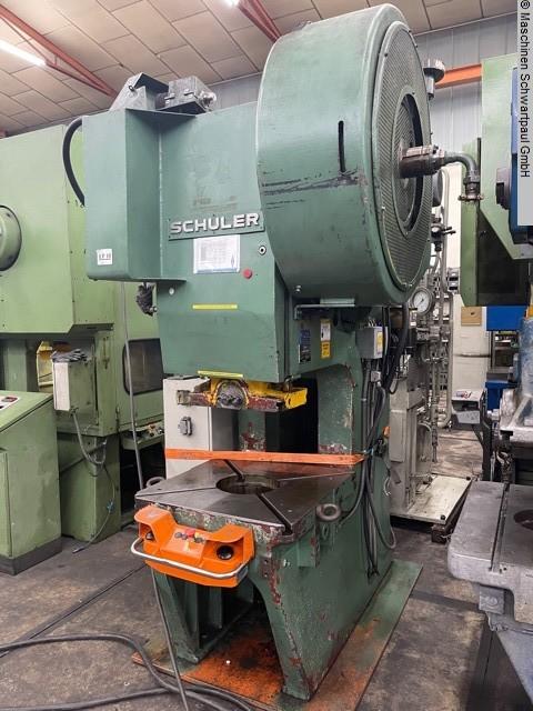 gebrauchte Pressen und Bördelmaschinen Einständerexzenterpresse SCHULER PdR63-450