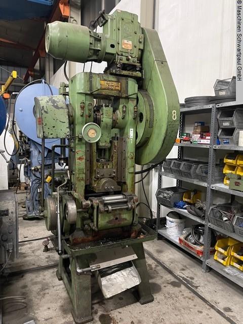 gebrauchte Pressen und Bördelmaschinen Doppelständerexzenterpresse LINDE D84