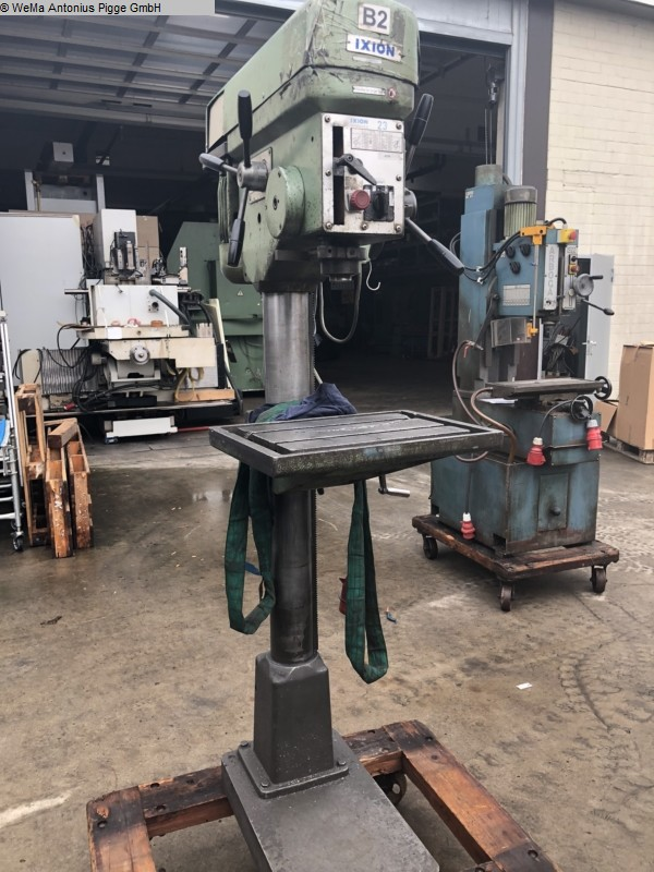 gebrauchte Metallbearbeitungsmaschinen Säulenbohrmaschine IXION BS 23 FST