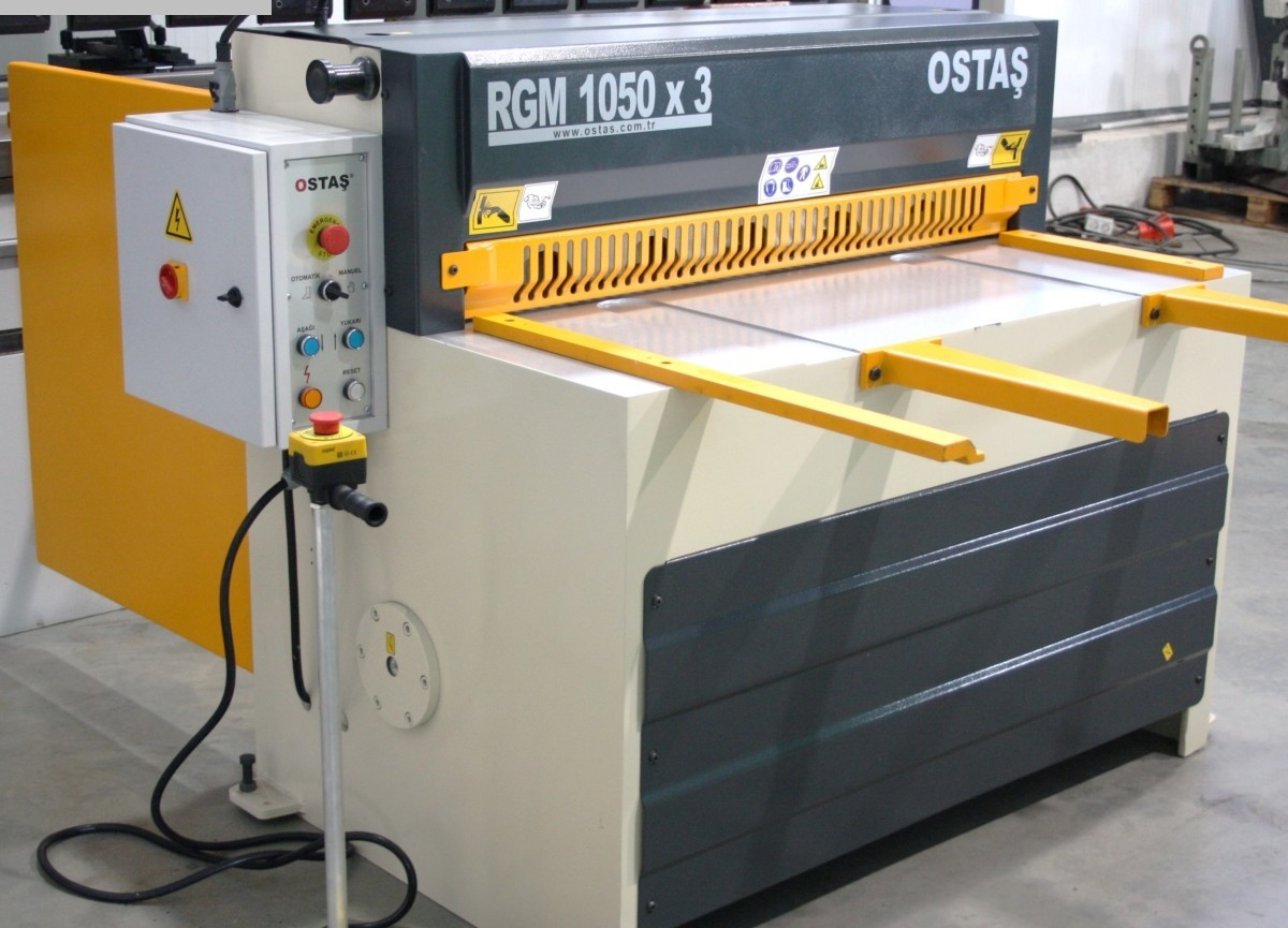 gebrauchte Blechbearbeitung / Scheren / Biegen / Richten Tafelschere - mechanisch OSTAS RGM 1550 x 3