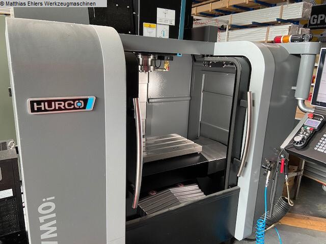 used Boring mills / Machining Centers / Drilling machines Machining Center - Vertical HURCO VM 10 i