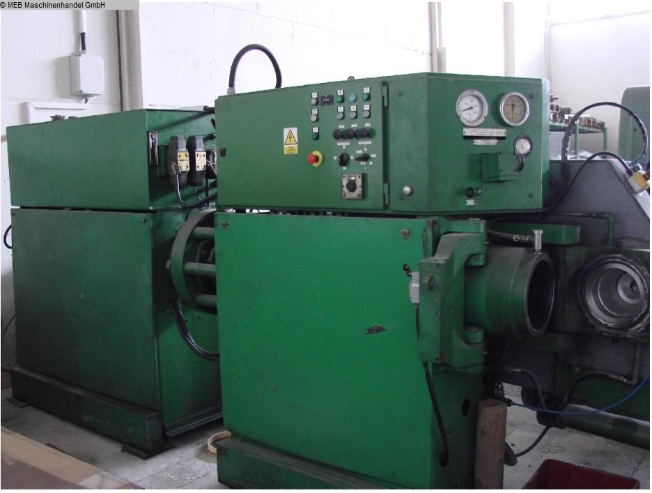 gebrauchte Gummiverarbeitungsmaschinen Rohlingsautomat BARWELL Preformer C3