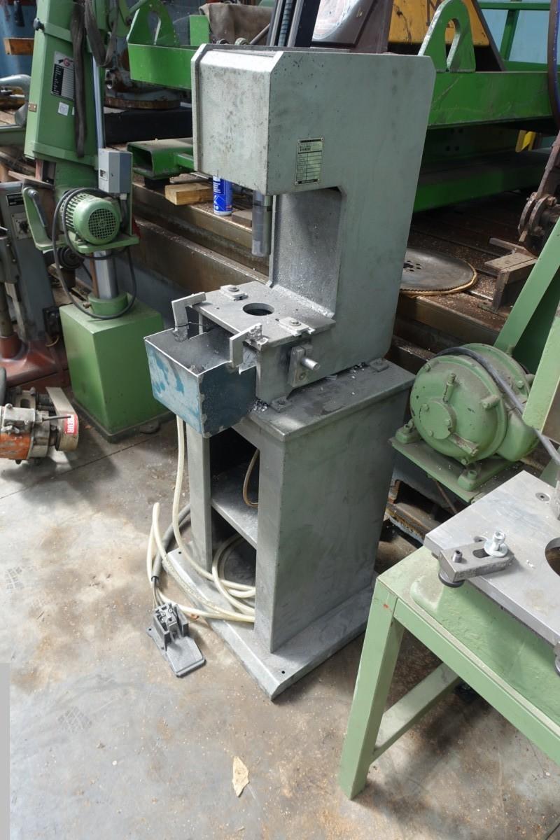 gebrauchte Pressen und Bördelmaschinen Einständerpresse - Hydraulisch Eisele HPS 120