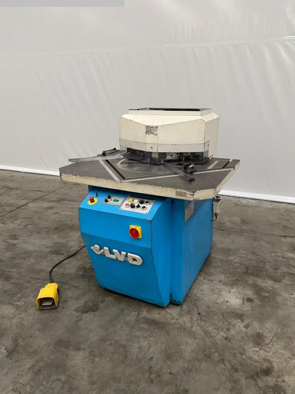 used Sheet metal working / shaeres / bending Notching Machine LVD VAR 250/6