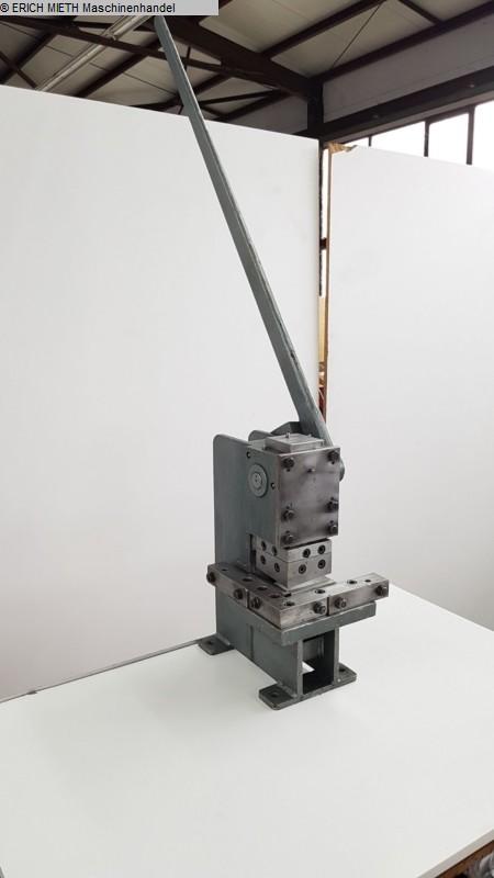 gebrauchte Blechbearbeitung / Scheren / Biegen / Richten Ausklinkmaschine EDEL 910 E