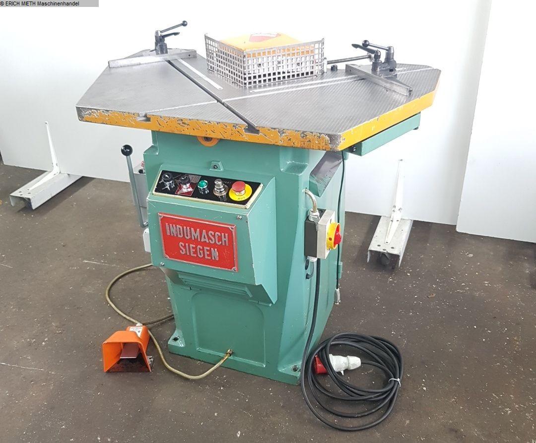 gebrauchte Blechbearbeitung / Scheren / Biegen / Richten Ausklinkmaschine INDUMASCH 254