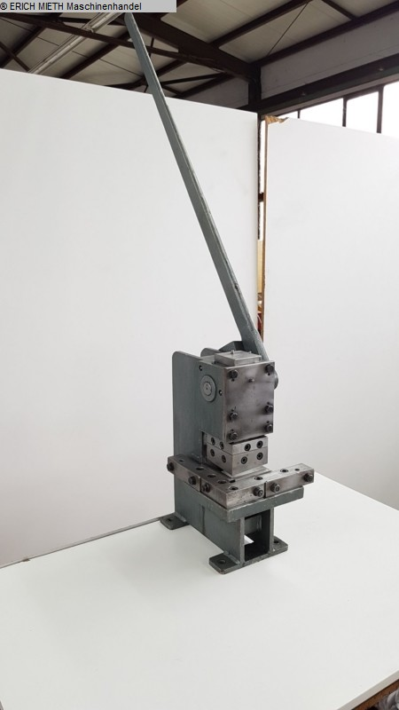 rabljeni strojevi za obradu limova / dijelovi / strojevi za izrezivanje EDEL 910 E