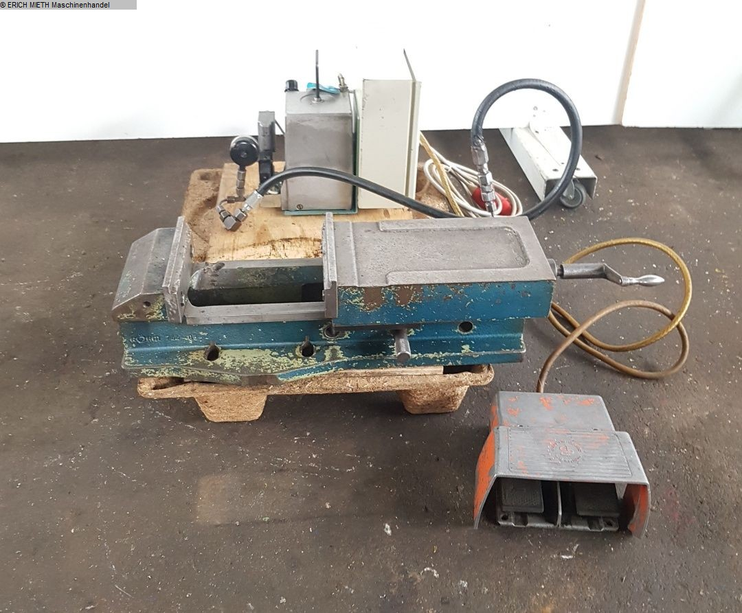 gebrauchte Maschinenzubehör etc. Schraubstock ROEHM 744 - 05
