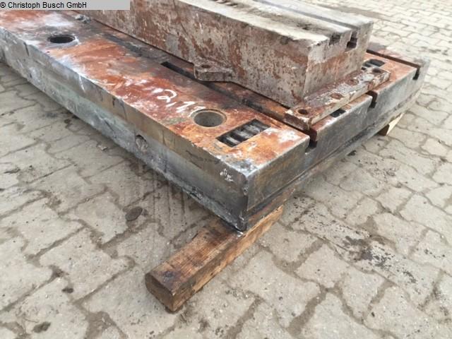gebrauchte Maschinenzubehör etc. Aufspannplatte Krupp A2200-1100