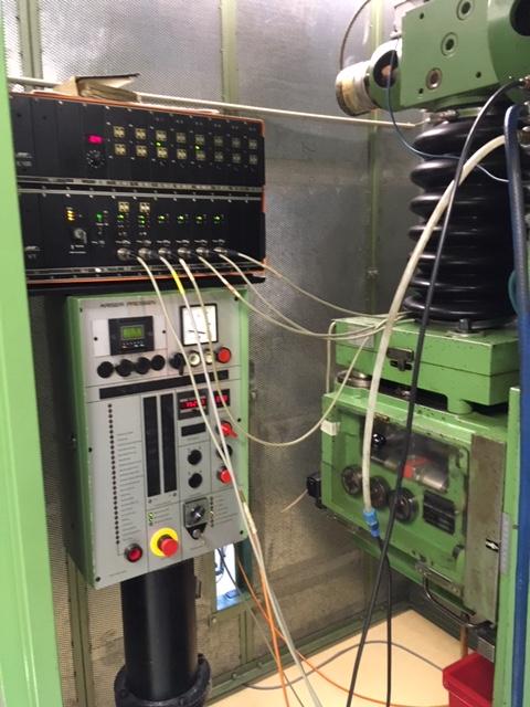 gebrauchte Stanzautomat-Doppelständer KAISER V 32 W / 680