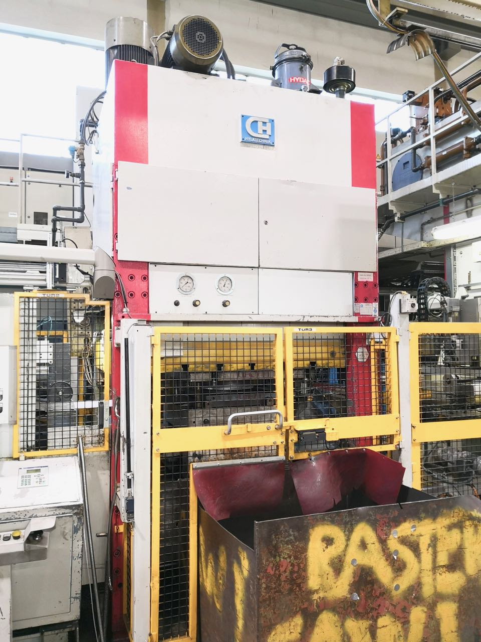 used  Double-Column Presse Hylatechnik HESSP 250X1,5x4A