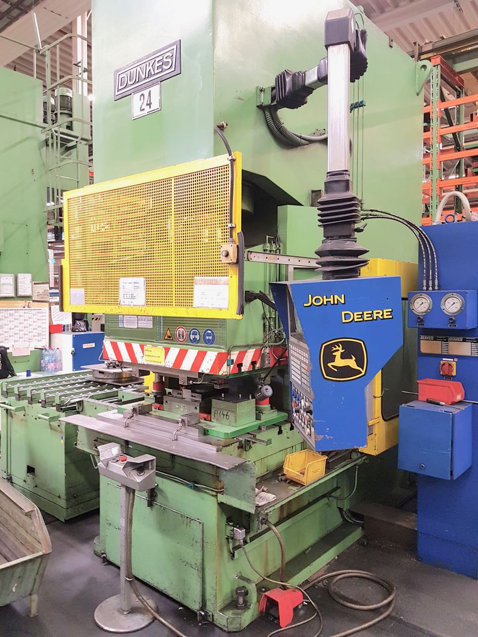used  Drawing Press - 1-Col.Hydr. DUNKES HZS 250