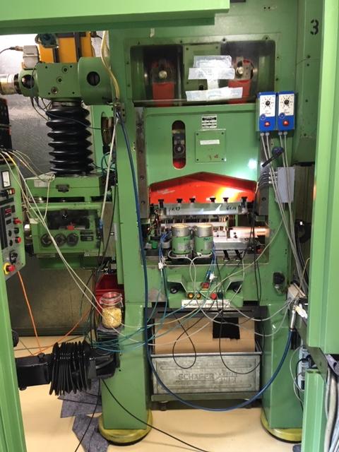 gebrauchte Pressen und Bördelmaschinen Stanzautomat-Doppelständer KAISER V 32 W / 680