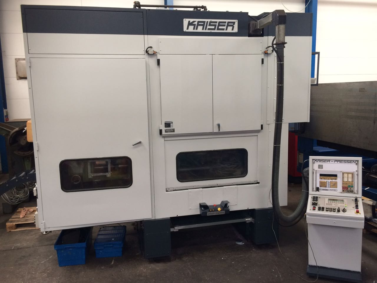 gebrauchte Pressen und Bördelmaschinen Stanzautomat-Doppelständer KAISER KSTU 1000-12,5-2 DR