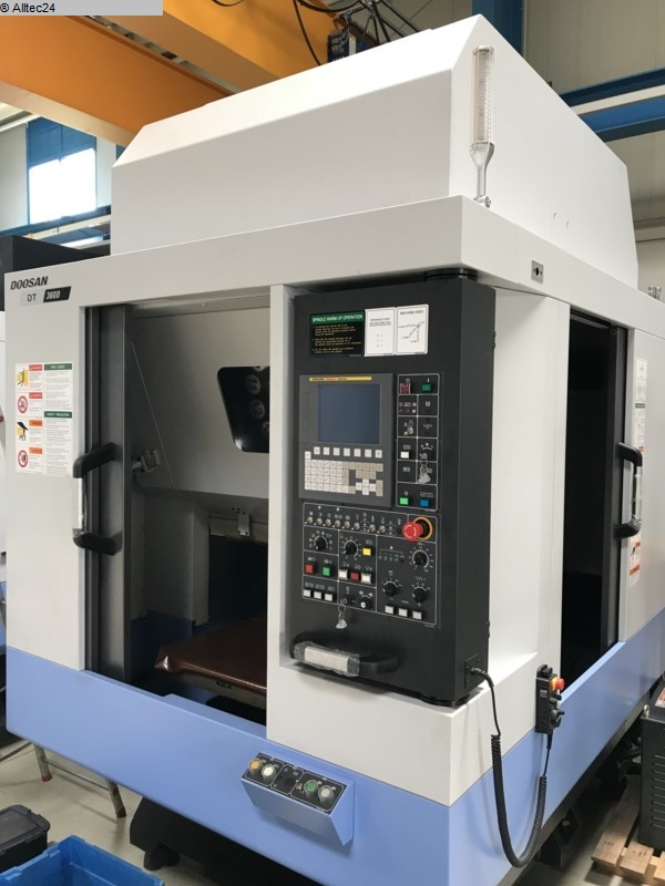 used  milling machining centers - vertical DOOSAN DT 360 D