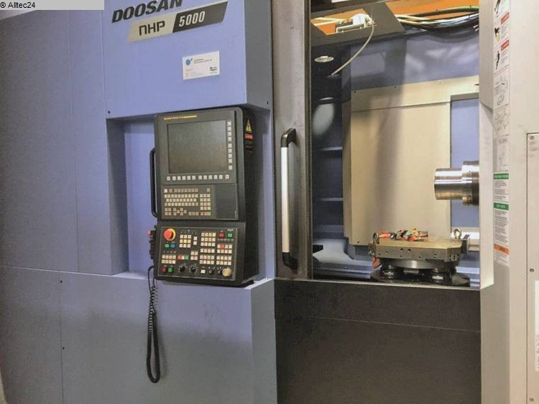 used Boring mills / Machining Centers / Drilling machines Machining Center - Horizontal DOOSAN HP 5000