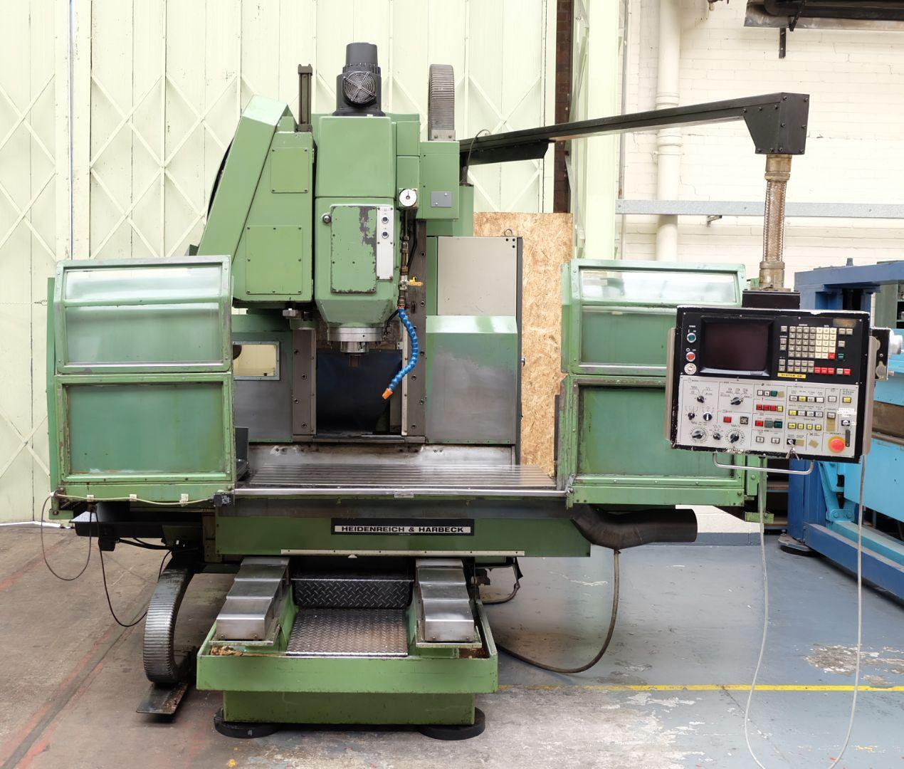 used  Machining Center - Vertical MAKINO FNC 106-A20