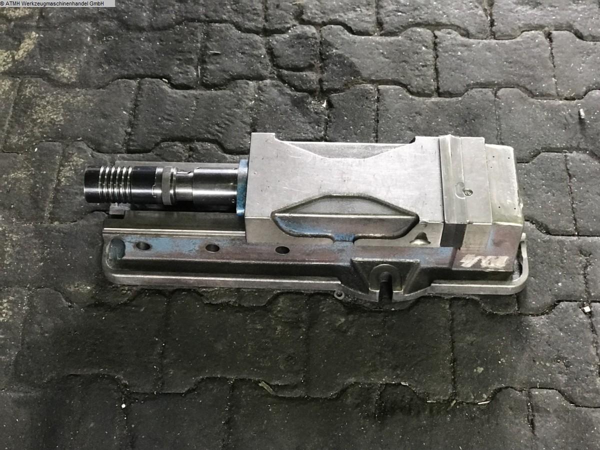 gebrauchte Maschinenzubehör etc. Schraubstock UNBEKANNT Hydraulischer-Schraubstock